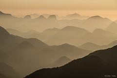 Montanhas do Rio (Waldyr Neto) Tags: mountains montanhas valedosfrades trêspicos petp cabeçadedragão