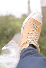 42-52 (Floris the SnapShotShooter) Tags: feet outdoors converse grapes moby butterscotchcoloured