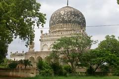 Qutb Shahi Tombs (Fatimarani) Tags: india fort golkonda hyderabad andhra tombs pradesh qutb shahi