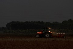 Working in the dusk... (Simos1968) Tags: work out lights land fields