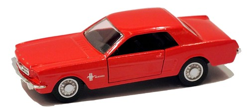 Maisto Ford Mustang (1)