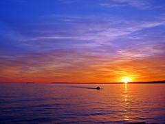 Mirando al mar (Antonio Chacon) Tags: sunset españa atardecer mar spain europe day cloudy andalucia cielo costadelsol puestadesol marbella potd:country=es infinitexposure