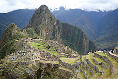 Machu Picchu, Peru (Daniel Kliza) Tags: peru lines birds machu picchu inca america penguins guinea pig humboldt lima market indian cusco el canyon palm vultures latin empire lama indians latino mp condor kola machupicchu sour elections arequipa islas guano ica colca pisco condors nazca paracas vicuna ballestas nasca chauchilla candelabro mistura kechua