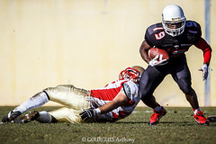 08-02-2015 - ELITE - Dauphins de NICE vs Argonautes d'AIX EN PROVENCE (Thony_g) Tags: people france color sport alpes canon photography photo football nice europe raw action nfl picture aixenprovence player paca elite 7d bouche match cote provence ncaa 13 06 70200 f28 aix azur maritimes rhone dauphins diamant casque amricain fdration 2015 franaise footus argonautes fffa touhdown 2k15