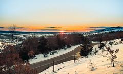 Viaje al sol. (PetterZenrod) Tags: road winter snow atardecer camino carretera f14 nieve sigma invierno puestadesol frío 30mm canon650d