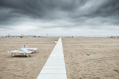 Due sdraio (Vanda Guazzora) Tags: rimini autunno lungomare spiaggia abbandono