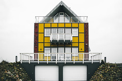 Adding some symmetry...Pt.III (b_represent) Tags: architecture streetphotography architektur symmetrie olpenitz ostseeresortolpenitz