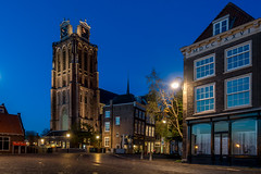 In en om de Grote Kerk (Dordrecht) (Marjan van de Pol) Tags: sony nederland dordrecht kerk grotekerk avondlicht sonyrx100m3