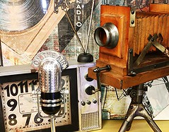 When I Was a Child, I Dreamed to Being...(Macro Mondays) (francepar95) Tags: camera television radio vintage star screen actor microphone enfant camra radiohost tlvision cran acteur rve animateurderadio macromondaysdivers