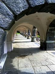 Arkadestart -|- Beginning archade (erlingsi) Tags: norway architecture shadows bergen uib arkitektur archade arkade arcway skygger buegang