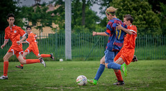 go for it (.VSPhotography) Tags: sport contrast digital canon eos football san italia soccer run tackle giorgio calcio defender allaperto 400d vsphotography