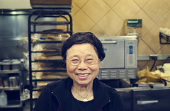 Sandy (Rob Wink) Tags: old portrait smile lady asian happy nice do dof bokeh awesome streetphotography story deli to odc nikond7000