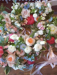 bouquets 01 (Flower 597) Tags: centerpiece corsage weddingflowers weddingceremony boutonniere bridalbouquet weddingbouquet weddingflower floralcrown weddingflorist ceremonyarch flower597 torontoweddingflorist