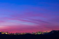 Belo Horizonte, Cu Colorido (Elton Jr.) Tags: city blue sunset pordosol cidade sky urban minasgerais colors azul cores landscape lights purple top cu nuvens belohorizonte colorido macacosmg