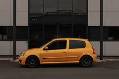 LY 182 27-06-16 007 (AcidicDavey) Tags: yellow clio renault liquid 182 renaultsport
