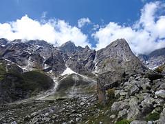 Losing into the wilderness.... (Lopamudra!) Tags: lopamudra lopamudrabarman lopa landscape landscapes himalaya himalayas india garhwal uttaranchal uttarakhand uttarkhand trek highaltitude beauty sky clouds cloud mountain mountains range