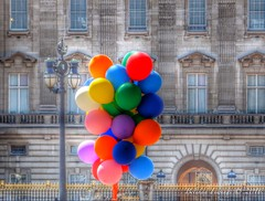 Balloons may burst (Belinda Fewings (3 million views. Thank You)) Tags: street city greatbritain england colour london beautiful beauty balloons out outside outdoors seaside arty artistic bokeh creative floating best depthoffield buckinghampalace gb colourful lovely burst timely beautify panasoniclumixdmc pbwa creativeartphotograhy belindafewings