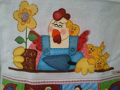 Galinha. Dia de jardinagem (Pintura em tecido. Panos de prato.) Tags: