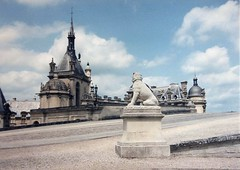Chteau de Chantilly (sftrajan) Tags: france 1996 19thcentury palace neogothic chteau chantilly gothicrevival gothicrevivalarchitecture chteaudechantilly nogothique oisedepartment houseofbourbon houseoforleans  castillodechantilly