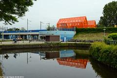 NS : Den Haag Moerwijk, 26-06-2013 (Paul van Baarle) Tags: holland netherlands station gare nederland eisenbahn railway bahnhof denhaag haag stazione oranje niederlande ferrovia nederlandsespoorwegen moerwijk