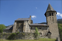 St. Pèir d'Escunhau 2 (Xevi V) Tags: building architecture nationalgeographic valdaran valldaran vftw pèir stpèirdescunhau isiplou