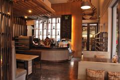 be3 cafe ตกแต่งร้านสไตล์ลอฟท์