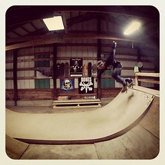 "backside ollie • <a style=""font-size:0.8em;"" href=""http://www.flickr.com/photos/99295536@N00/9870612146/"" target=""_blank"">View on Flickr</a>"