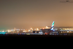 Emirates Airbus A388 - Hamburg-Finkenwerder (olivertotzke.de) Tags: night plane germany hamburg off emirates airbus a380 take delivery elbe nachtaufnahme nachts planespotting finkenwerder spotter planespotter edhi xfw