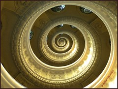 2009 Cpula Budapest- Droster (Rafael Vila) Tags: spiral budapest gimp retouching mathmap droster