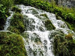 Der Wasserfall (Wolfgang Becker) Tags: wasser wasserfall lichtundschatten kroatien2008 unserwald