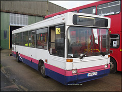 ex-Thamesway 952 (N952 CPU) (Colin H,) Tags: bus pointer first preserved cpu dennis essex hadleigh dart basildon slf ibp plaxton thamesway firstessex n952 ipswichbuspage n952cpu colinhumphrey vision:text=0603 vision:outdoor=0709 vision:car=0829