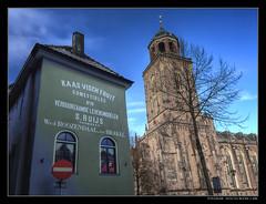 Deventer - Grote Kerkhof (Hans van Bockel) Tags: city caf photoshop nikon raw toren coolpix nrw vrienden kerk hdr stad deventer architectuur archtecture lebuinus gevel vroeger dng binnenstad photomatix grotekerkhof