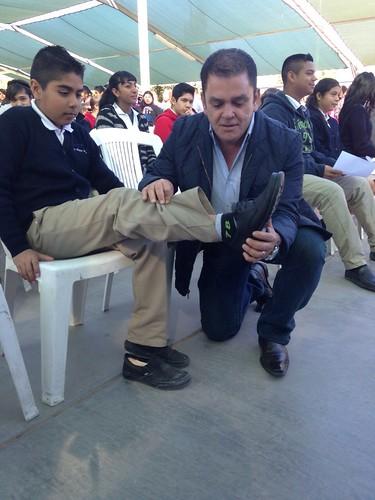Gobierno del Estado entrega paquetes escolares en escuelas de SLRC.