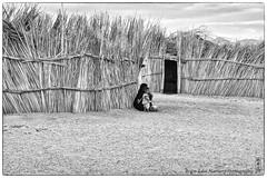 tough (alamond) Tags: blackandwhite bw house sahara monochrome architecture rural canon reeds algeria sand village desert native tuareg hogar tamanrasset brane alamond 40d zalar