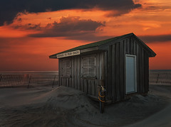 Jones Beach Snack Shack (wowography.com) Tags: sunset sky ny building beach colors clouds photography sand dunes jonesbeach tomreese wowographycom 5069341