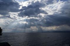 les nuages se fchent.......... (Elyane11) Tags: pluie lac