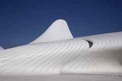 Baku - Heydar Aliyev Center (Rolandito.) Tags: architecture center baku azerbaijan zaha hadid heydar merkezi aliyev liyev