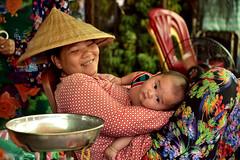 DSC_6287 (Omar Rodriguez Suarez) Tags: baby cambodia mother mum bebe madre camboya