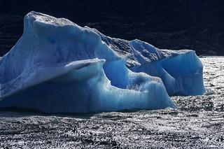 Blue diamond on Lake Argentino