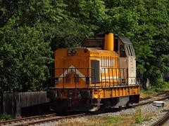 82-0452-1 (DuTZu24) Tags: tren 8 ldh gara regio botosani suceava interregio portocala manevra