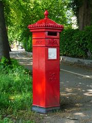 Cheltenham, Gloucestershire (Oxfordshire Churches) Tags: cheltenham gloucestershire panasonic lumixgh3 england uk unitedkingdom johnward royalmail postboxes letterboxes mailboxes pillarboxes vr pb100602 gl507 jwpenfold penfold cochranegroveco hexagonal victorian listedbuildings gradeiilisted