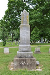 0U1A7820 Geneseo IL - Oakwood Cemetery - AYRES (colinLmiller) Tags: monument illinois headstone tombstone gravestone ayres footstone oakwoodcemetery 2016 geneseo