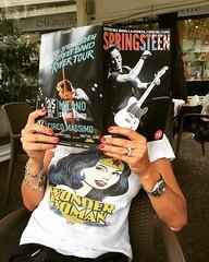 IMG_3467 (cepatri55) Tags: boss reading bruce leggendo springsteen rivista 2016