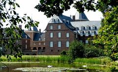 Schloss Anholt... (Zatato) Tags: wasser schwäne schlossanholt