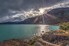 Salida del sol en el Lago Argentino - HDR (Jos M. Arboleda) Tags: patagonia argentina canon lago eos agua jose paisaje amanecer 5d hdr argentino arboleda salidadelsol ef1740mmf4lusm josmarboledac marlkiii