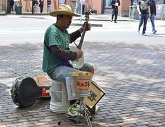 Banjo player, Pioneer Square (1 of 1) (sailronin) Tags: seattle street people 50mmf18 nikond7000