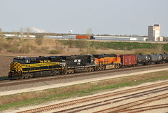 Rolling Through Rochelle (JayLev) Tags: ns bnsf 8100 rochelle norfolksouthern nickelplate nkp