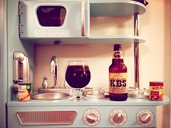 Fake kitchen, real beer [iPhone 5] (Wondermonkey2k) Tags: mobile breakfast kentucky great vignette stout divide glassware iphone kbs craftbeer iphone5 kitcam instant23