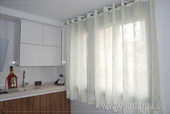 "Cortinas cocina con ollaos • <a style=""font-size:0.8em;"" href=""http://www.flickr.com/photos/67662386@N08/9191890707/"" target=""_blank"">View on Flickr</a>"