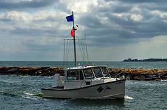 Coming In (P.Woolley) Tags: ocean sea boat capecod massachusetts falmouth falmouthharbor